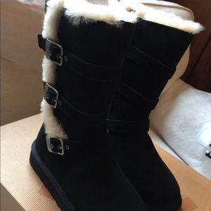 Ugg Classic Short Dylyn boot Size 5